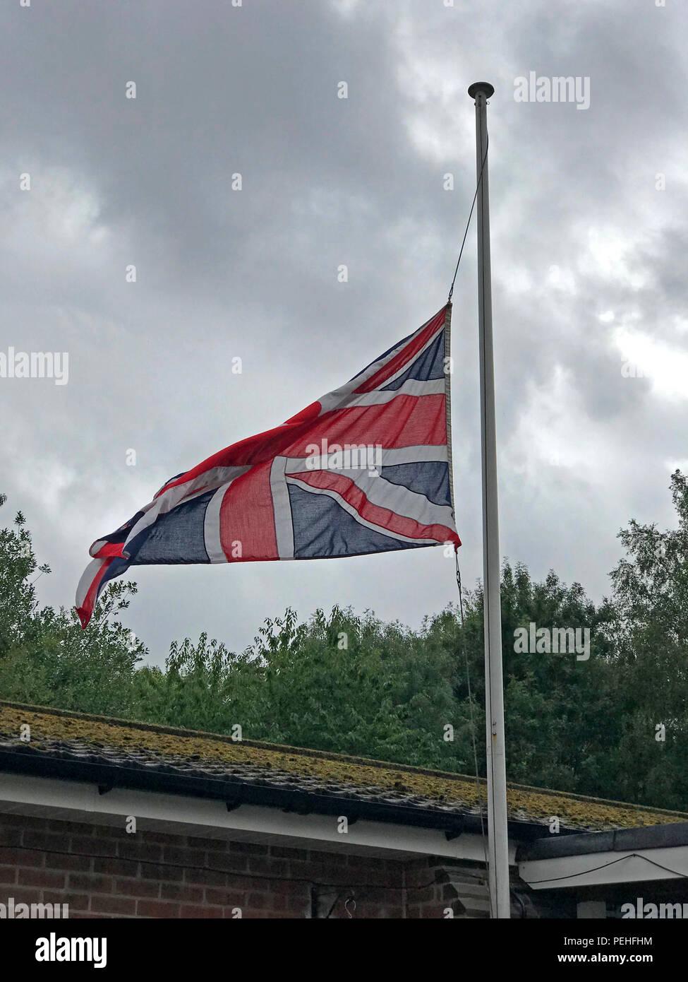 HotpixUK,GoTonySmith,British flag,brexit flag,The union flag,pole,flagpole,flag pole,British flag protocol,Union jack,Union Jack flag,Flag regulations,the flags regulations,National flag,uk,go,United Kingdom,Britain,Great Britain,grappenhall,Thelwall,Grappenhall,Grappenhall & Thelwall British legion,Warrington,Cheshire,North West England,UK,England,English,flag,National Mourning,National,Mourning,occasion,special,special occasion,half-mast
