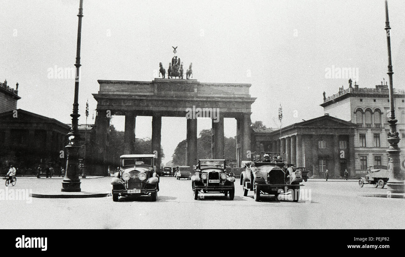 Germany Berlin The Brandenburg Gate  Brandenburger Tor is an 18th-century neoclassical monument  built on the orders of Prussian king Frederick William II  also once known as the Victory Arch 1920s this photo taken in 1928 Stock Photo