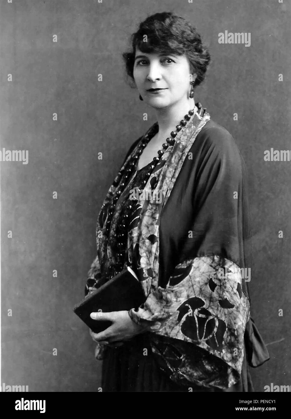 LULU HUNT PETERS (1873-1930) American doctor, writer  and dietician about 1922 Stock Photo