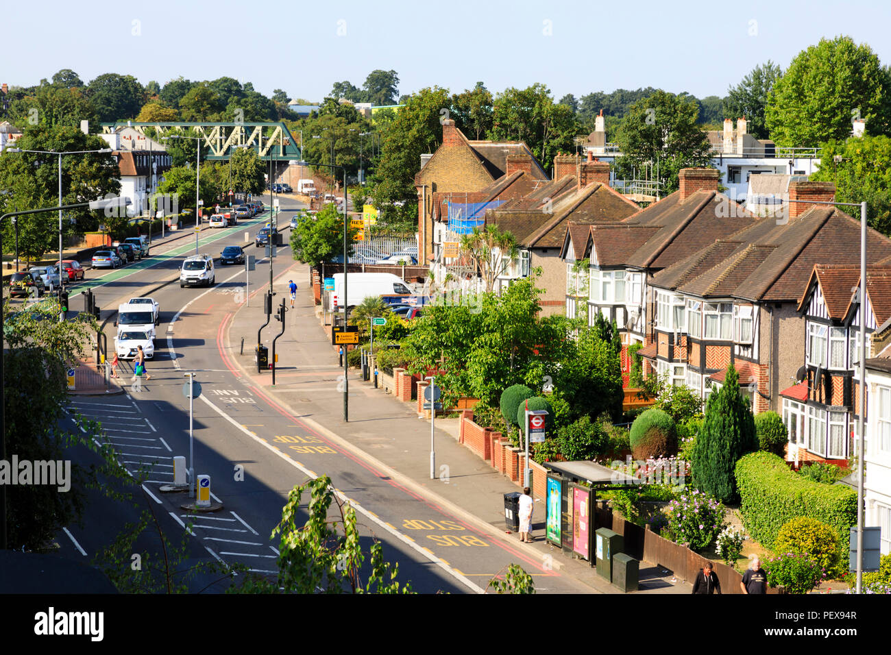 suburban-homes-on-london-road-morden-lon