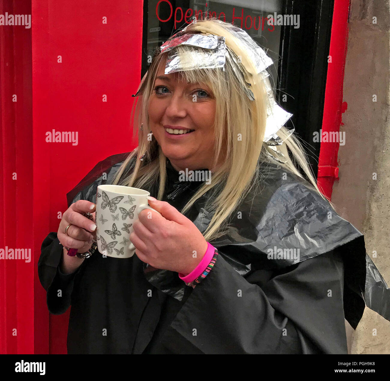 GoTonySmith,@HotpixUK,stylist,lady at beauty salon,woman at beauty salon,Lady at hair salon,woman at hairdressers,woman outside hairdressers,perm,colouring,colouring treatment,in hair,hair,Cooking,Perth,hair cooking,drinking tea,drinking coffee,mug,teacup,coffee cup,cape,Scotland,UK,beauty treatment,Female,colouring treatments,Smile,smiling,happy,blond,assisted,assisted blond,Assisted blonds,vanity,Roots,colouring roots,folicles,Colour treated hair