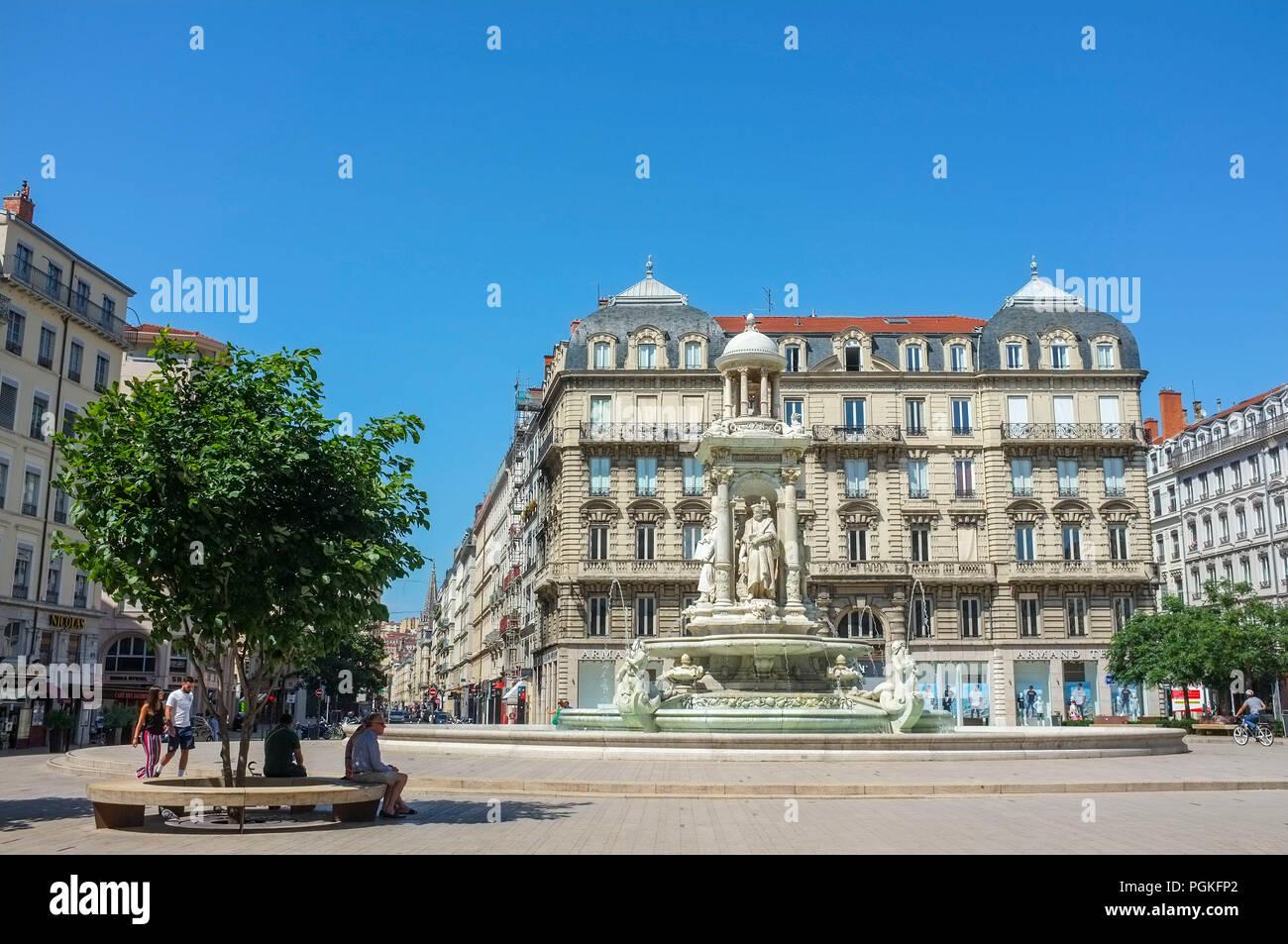 jacobins-square-place-des-jacobins-lyon-france-PGKFP2.jpg