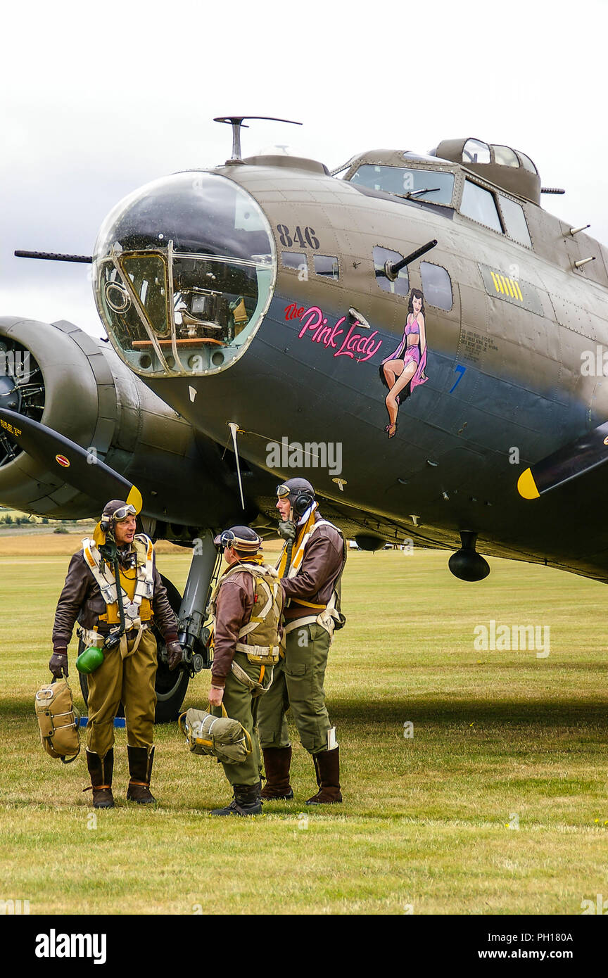 boeing-b-17-flying-fortress-bomber-plane-named-pink-lady-which-played-mother-country-in-memphis-belle-film-us-army-air-force-usaaf-crew-PH180A.jpg