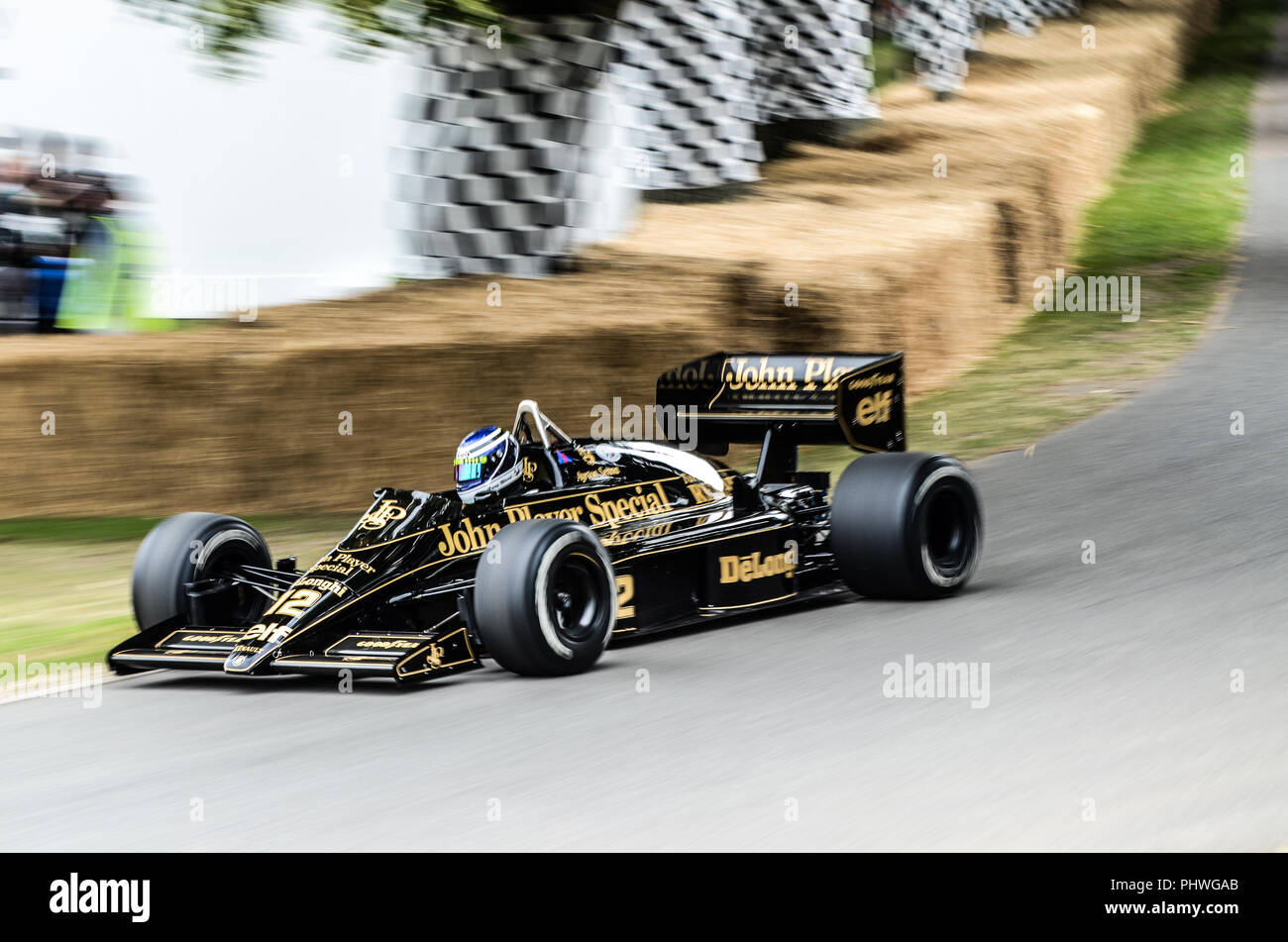 ayrton-senna-black-lotus-98t-john-player-special-formula-1-grand-prix-racing-car-at-goodwood-festival-of-speed-fast-motion-blur-lotus-renault-98t-PHWGAB.jpg