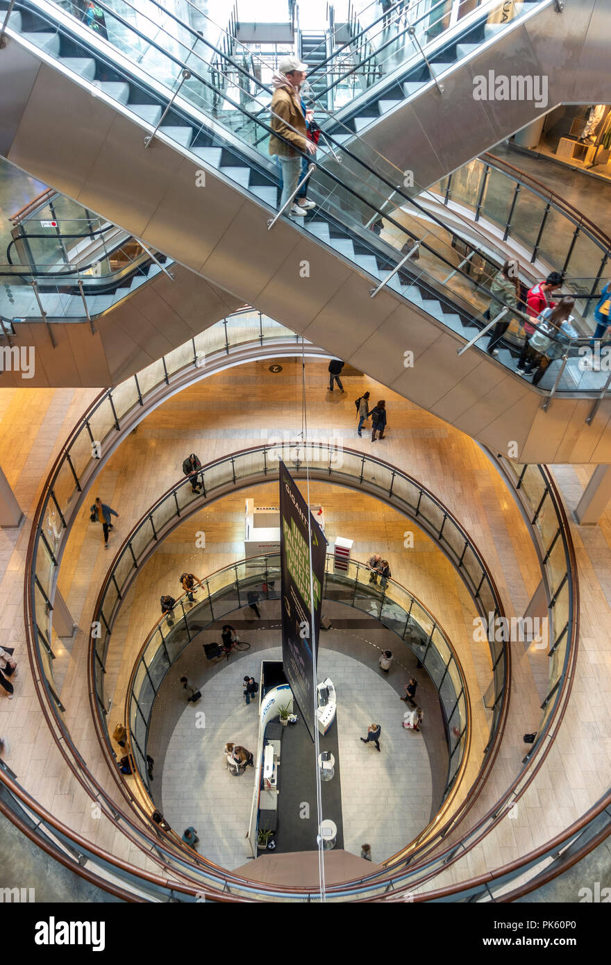 https://c7.alamy.com/comp/PK60P0/helsinki-kamppi-shopping-center-kamppi-centre-kamppi-shopping-mall-interior-helsinki-finland-PK60P0.jpg