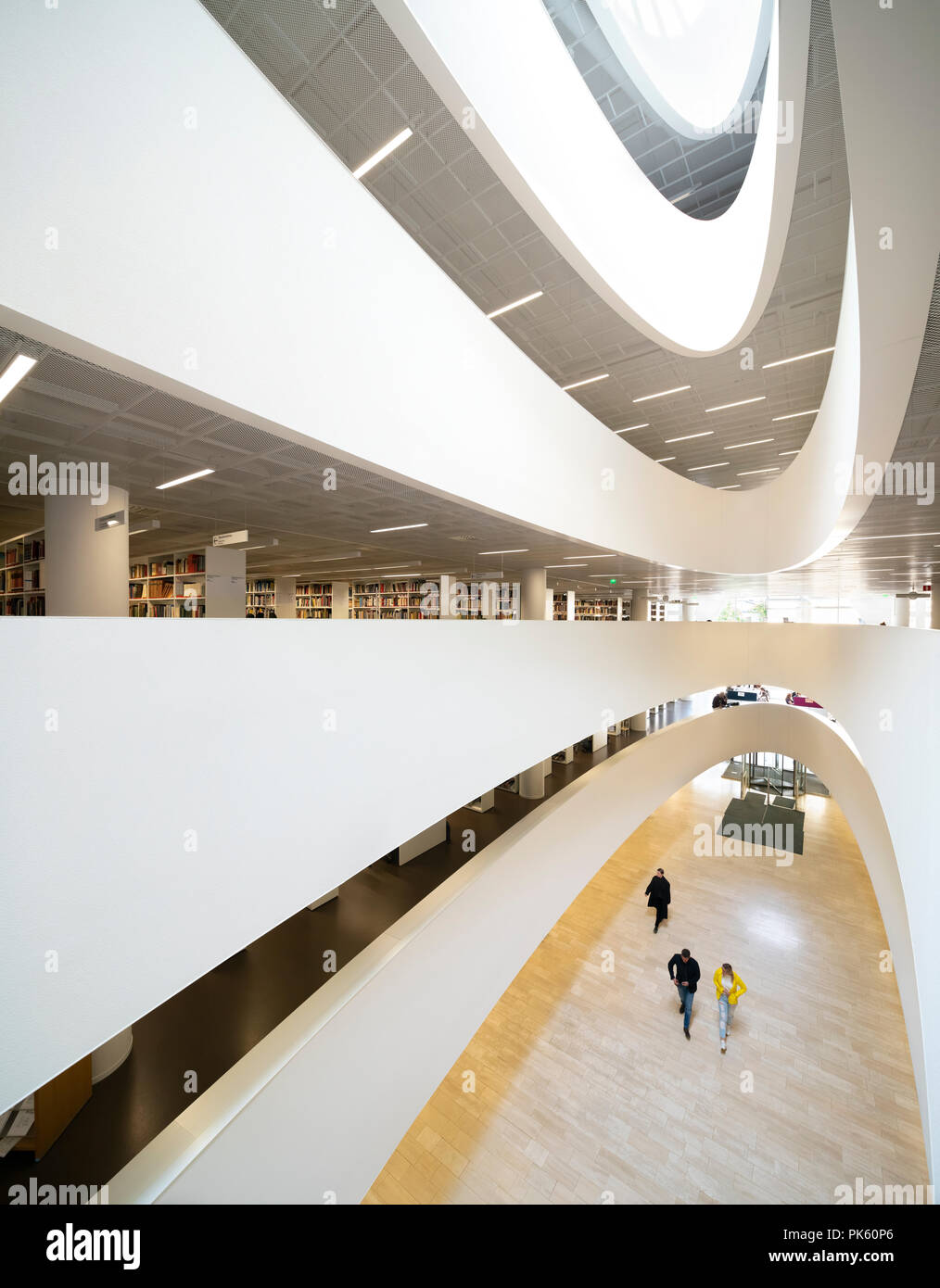 https://c7.alamy.com/comp/PK60P6/kaisa-house-helsinki-university-main-library-helsingin-yliopiston-pkirjasto-helsinki-finland-PK60P6.jpg