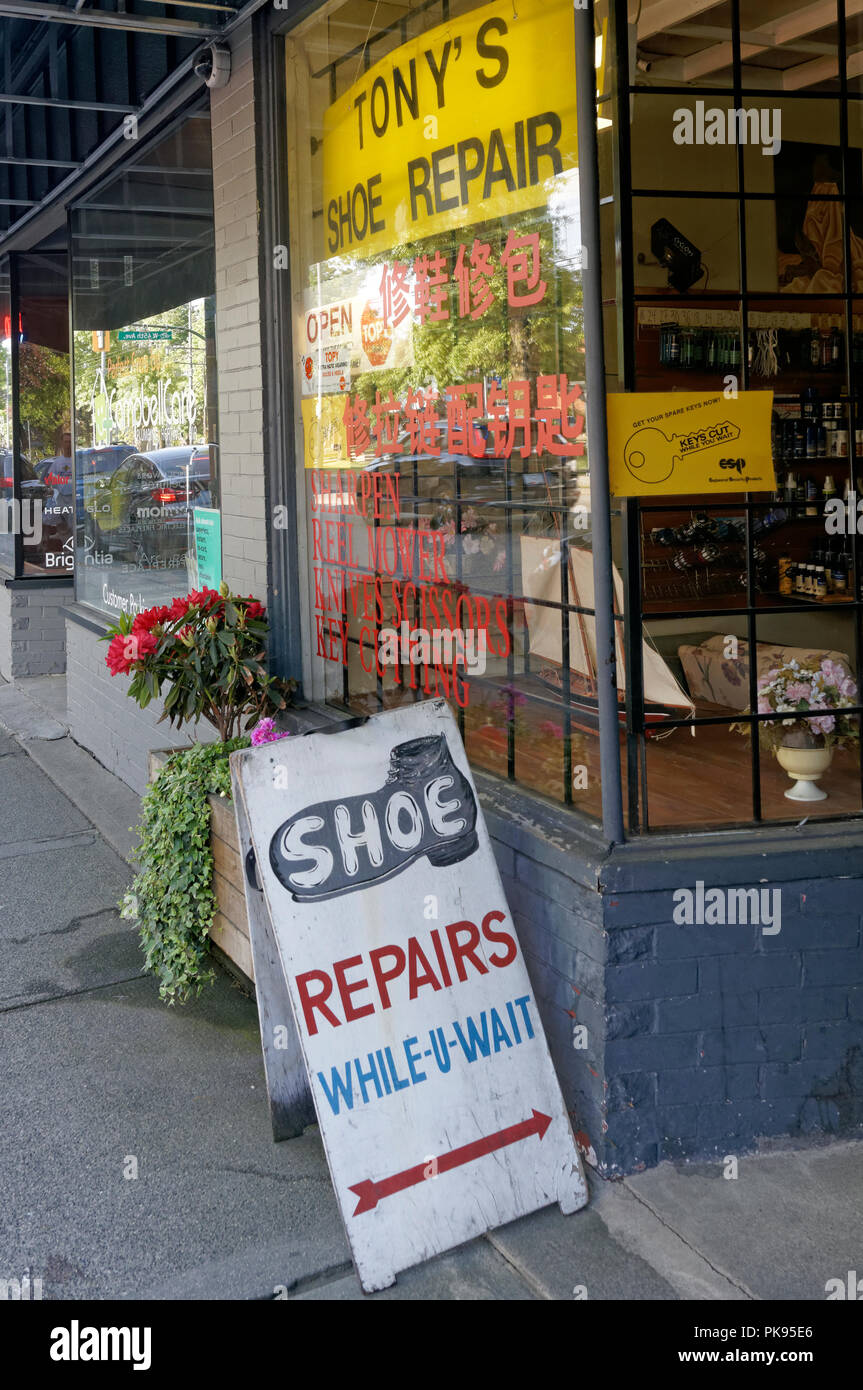 old-fashioned-shoe-repair-shop-in-kerris