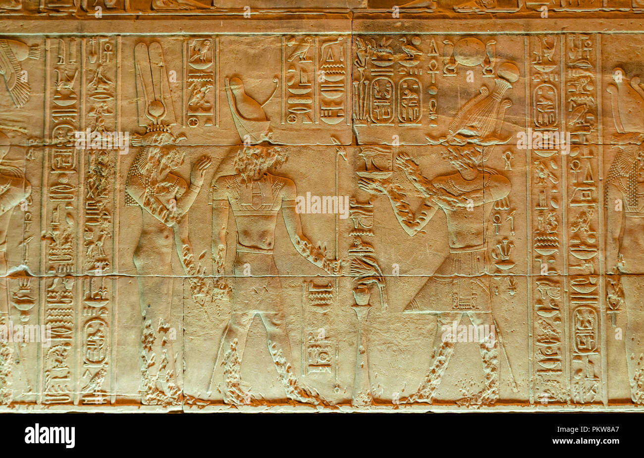 close-up-detail-of-egyptian-figures-and-