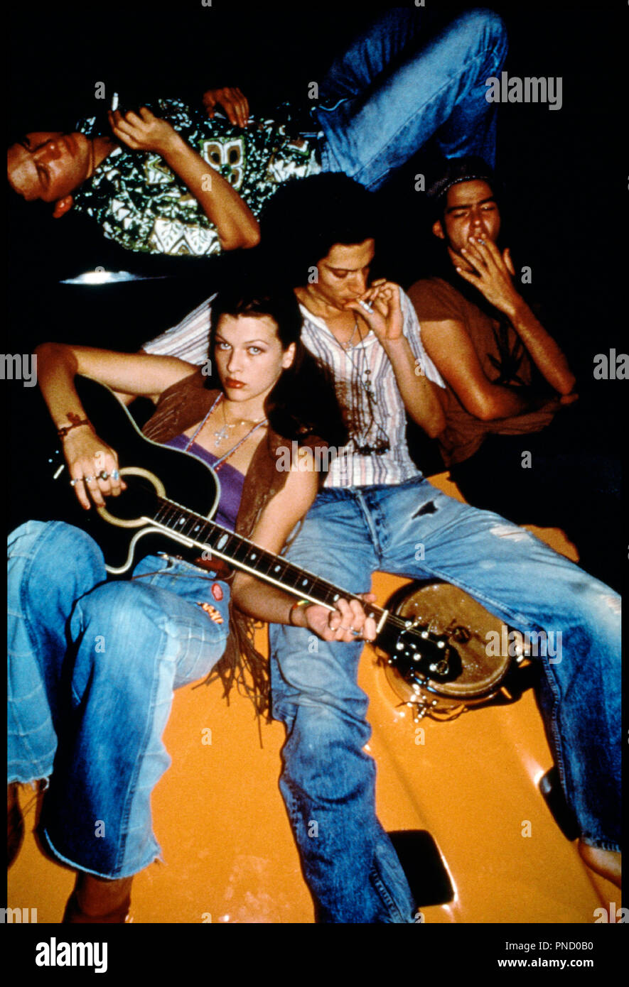 Prod DB © Alphaville Films / DR GENERATION REBELLE (DAZED AND CONFUSED) de Richard Linklater 1993 USA avec Milla Jovovich et Shawn Andrews jeune Stock Photo