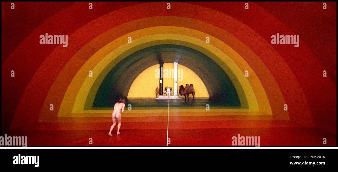 Prod DB © Allen & Betty Klein and Company - Producciones Zohar / DR LA MONTAGNE SACREE (THE HOLY MOUNTAIN) de Alejandro Jodorowsky 1973 MEX./USA decors, surrealisme, dromadaire autres titres: La Montana sagrada (mexique), The Sacred Mountain (International reissue title) Stock Photo