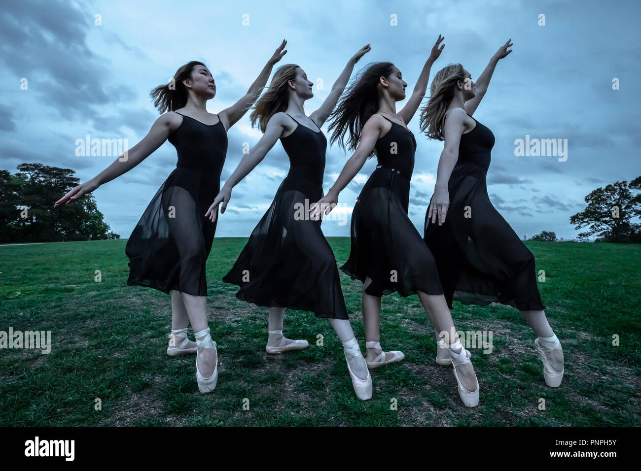 London, UK. 22nd September, 2018. Dancers from Semaphore Ballet Company perform on Primrose Hill on the last day of summer before the autumnal equinox. (L-R) Natsuki Uemura, Aoife Doherty, Rebecca Olarescu and Beth Wareing. Credit: Guy Corbishley/Alamy Live News Stock Photo