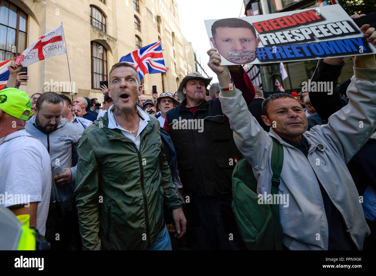 old-bailey-london-uk-27th-sept-2018-stephen-yaxley-lennon-also-known-as-tommy-robinson-appeared-in-the-central-criminal-court-old-bailey-accused-of-contempt-of-court-arising-from-his-arrest-when-filming-outside-the-court-building-in-leeds-the-trial-has-become-the-focus-of-his-supporters-and-anti-fascist-and-anti-racist-groups-who-demonstrated-outside-credit-avpics-alamy-live-news-PPN9GK.jpg