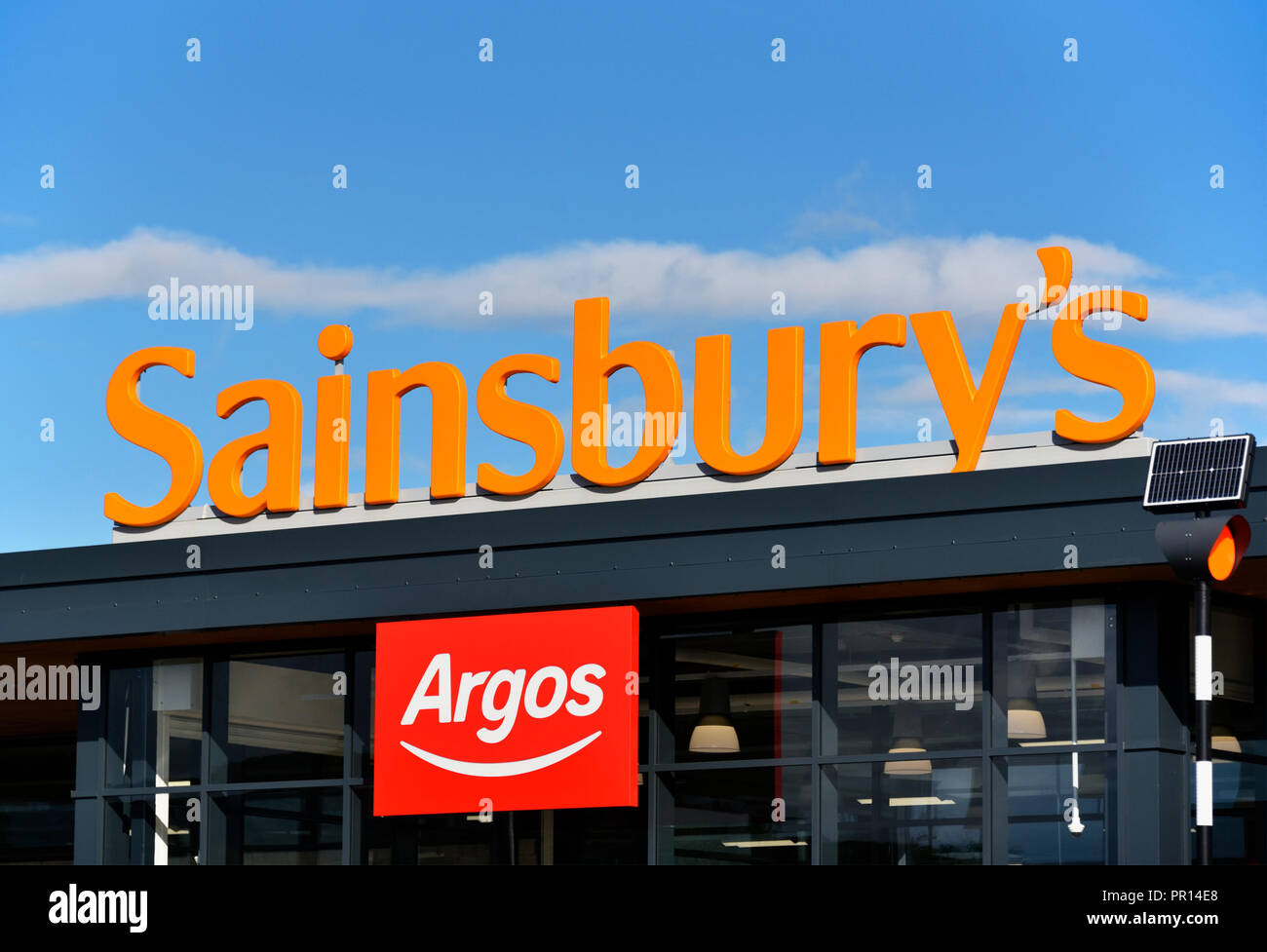 sainsburys-and-argos-supermarket-shap-road-kendal-cumbria-england-united-kingdom-europe-PR14E8.jpg
