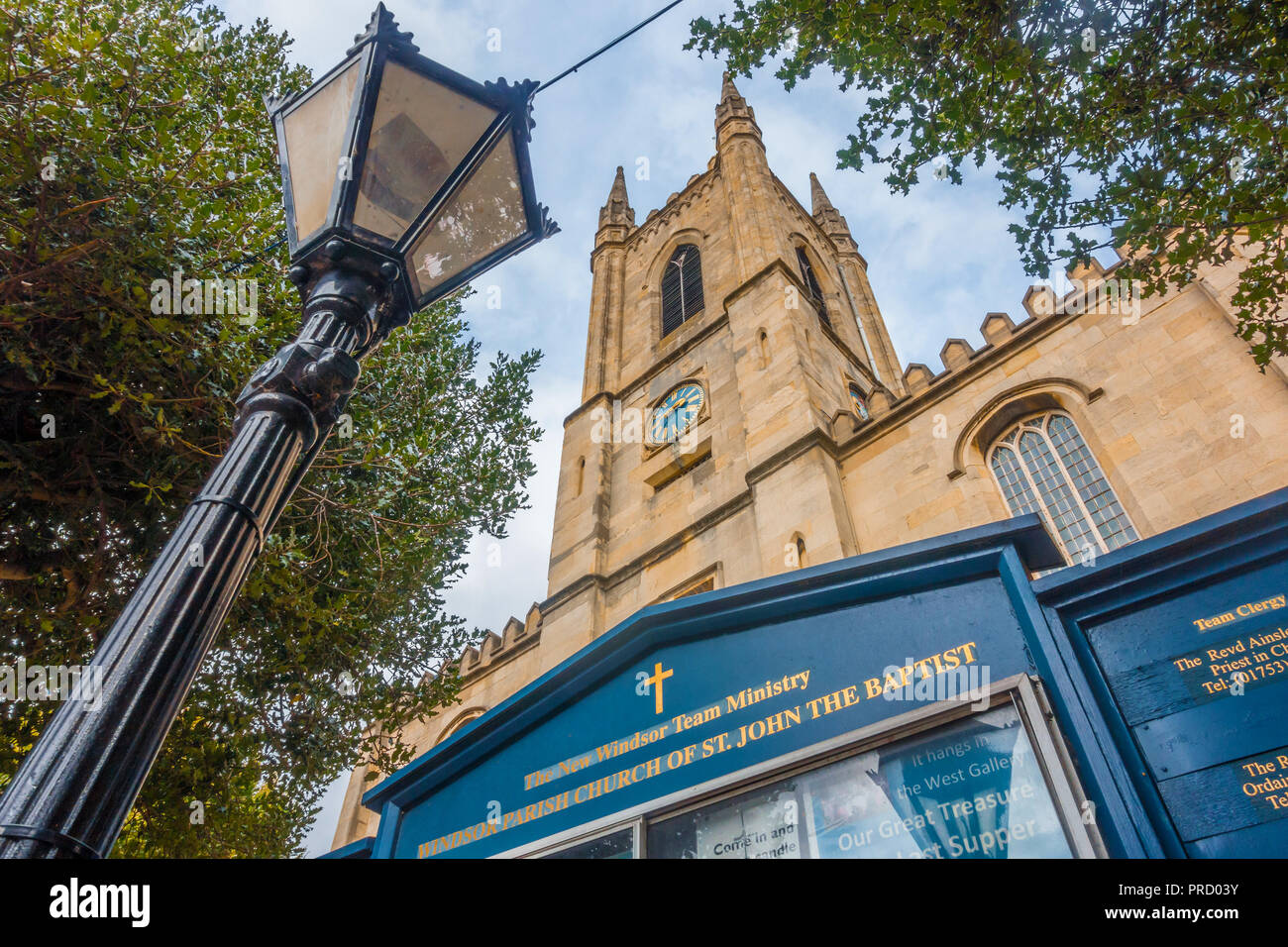 a-view-of-the-front-of-windsor-parish-church-of-st-john-the-baptist-in-windsor-uk-PRD03Y.jpg