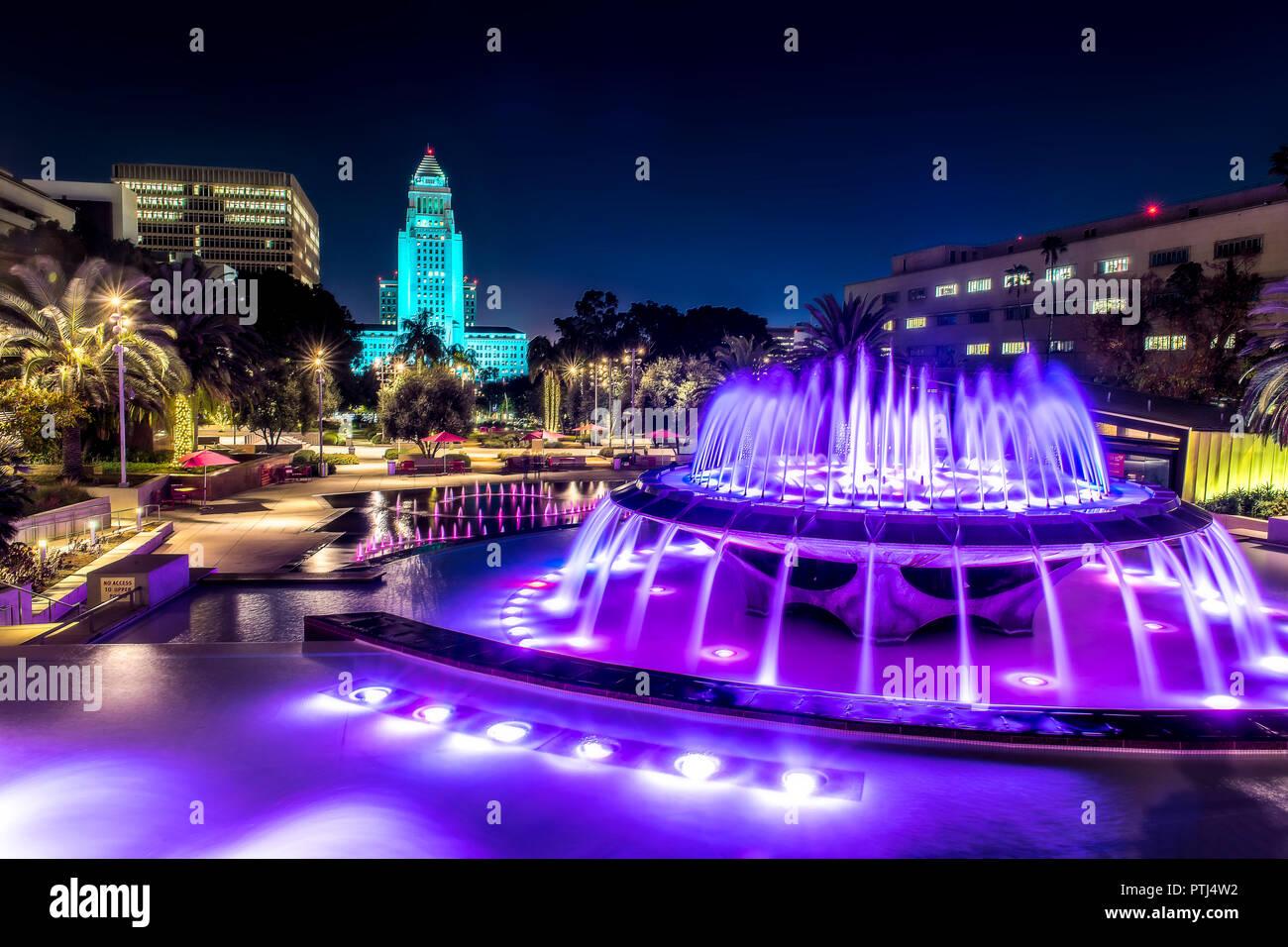 fountain-at-night-PTJ4W2.jpg