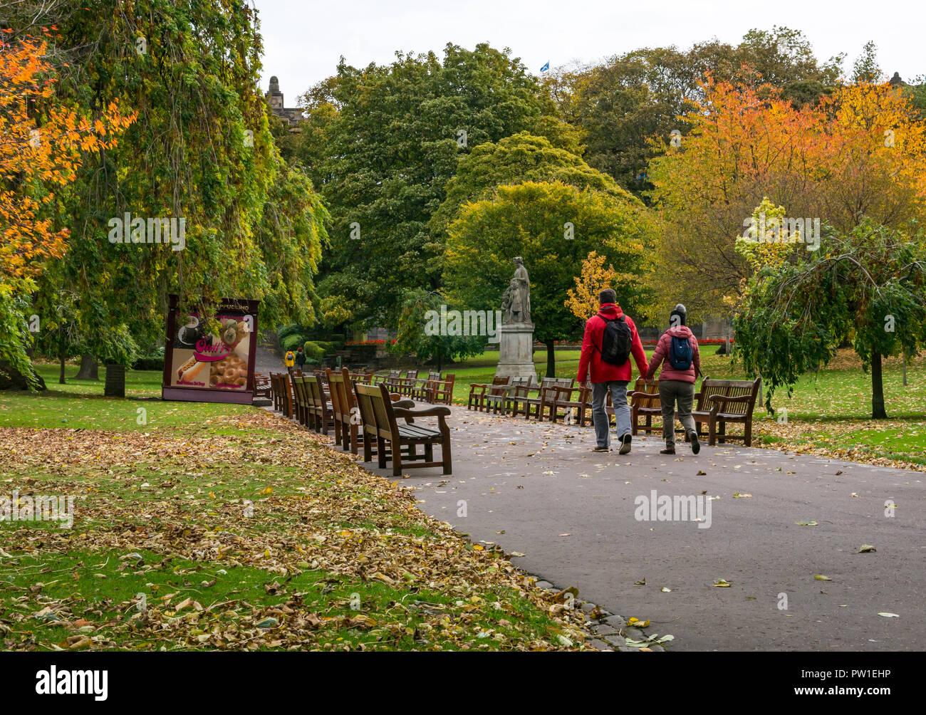 princes-street-gardens-edinburgh-scotlan