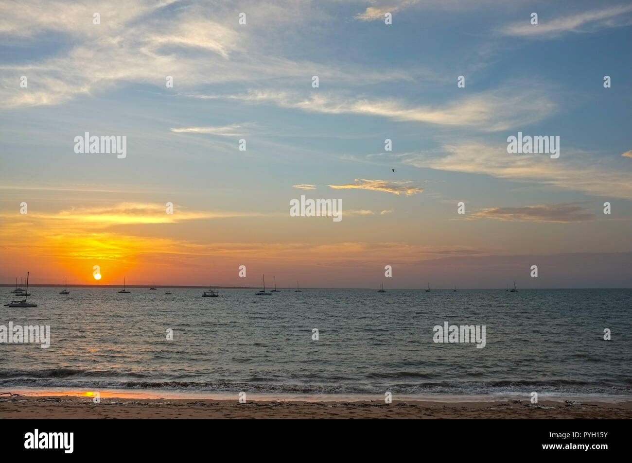 vesteys-beach-at-sunset-in-darwin-northe