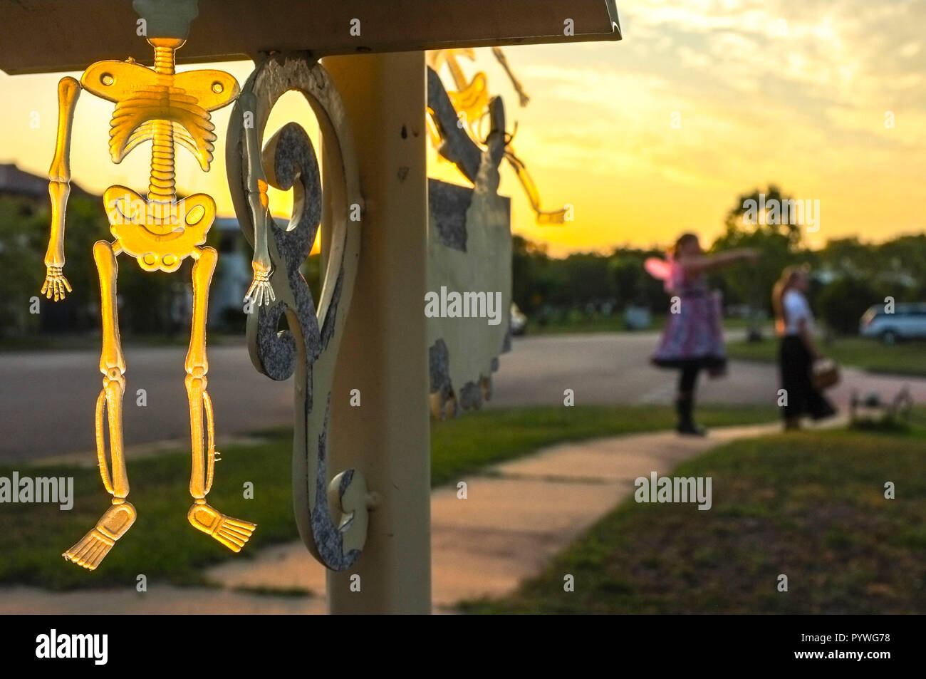 Darwin, Australia. 31st Oct, 2018. Children walk by the Halloween decorations in Darwin, Northern Territory, Australia - 2018.10.31 - Credit: Regis Martin/Alamy Live News Stock Photo