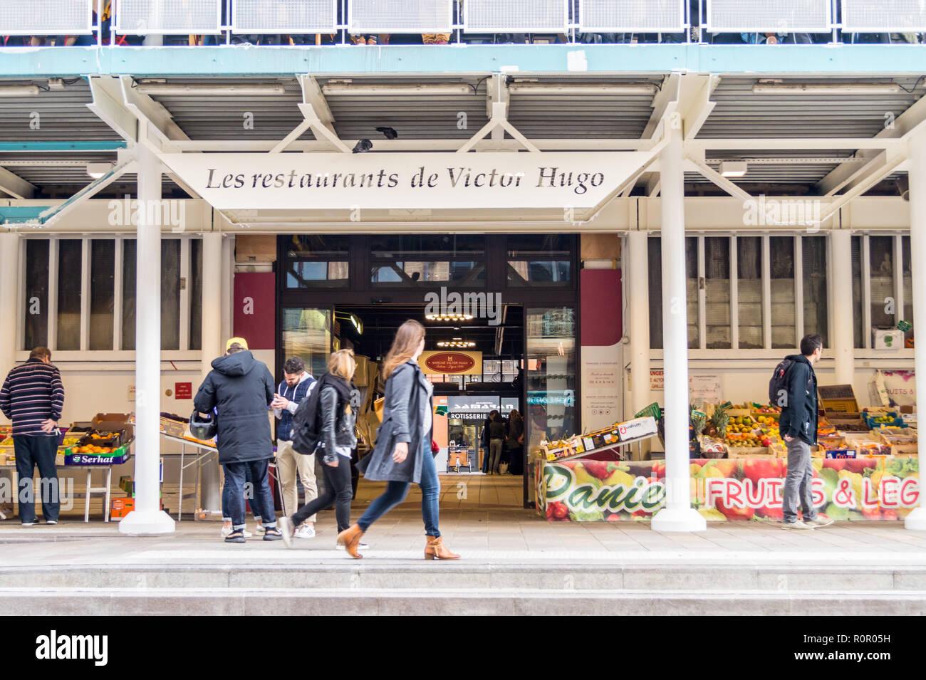 Exterior of Marché Victor Hugo, French market, 1959, by Lafitte & Génard, Toulouse, Haute-Garonne, Occitanie, France Stock Photo