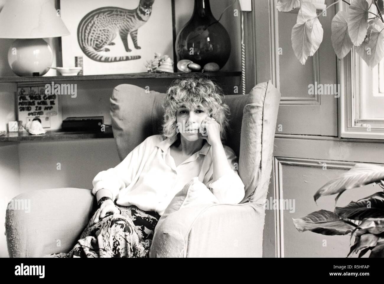 Jenny Diski 1988. Jenny Diski 1988.  Photograph by Fay Godwin. . Source: FG6867-6-33. Stock Photo