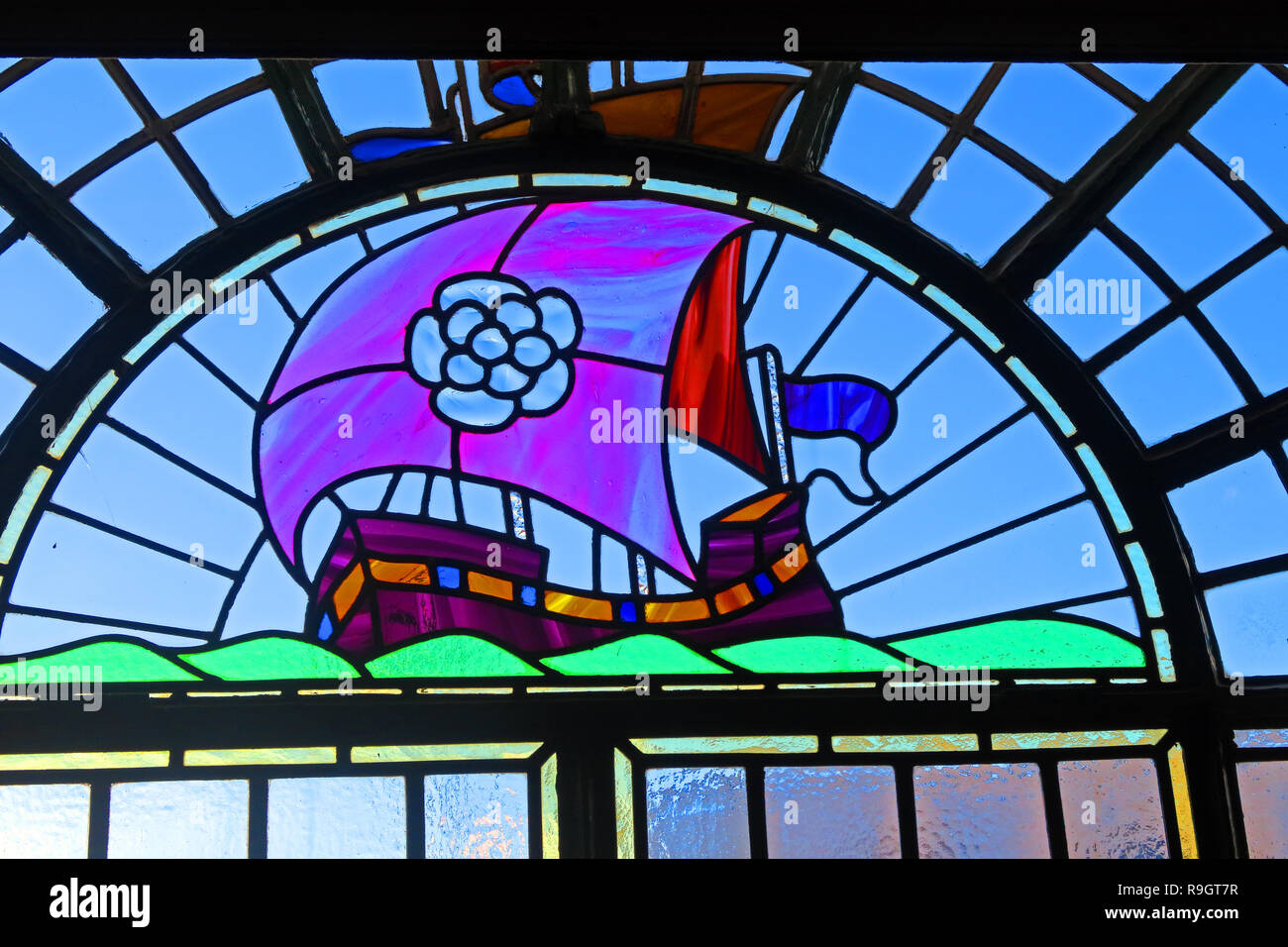 GoTonySmith,@HotpixUK,HotpixUK,Stained Glass Window of a sailing galleon,172 Warstone Ln,West Midlands,England,UK,B18 6JW,history,historic,pub,bar,RoseVilla,tavern,CAMRA,Window,ship,boat,window,B18,city centre,Victorian pub,Birmingham pubs,classic,White Rose,Yorkshire,sails,RVT,real ale,Summer Row,art-deco features and original stone placements are original features,Mitchell and Butlers,Mitchell,Butlers,Wood & Kendrick,bay window,inter-War public house,Public House,listed