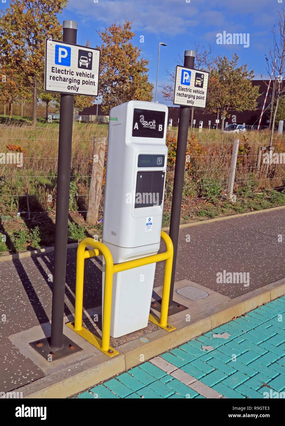GoTonySmith,@HotpixUK,HotpixUK,charging point,Scotland,charging,point,low carbon,no carbon,vehicles,vehicle,Carbon Free,society,Recharging point only,Recharging point,only,sign,white,yellow,Eskbank,Dalkeith,Midlothian,UK,EV,charging points,EV Charging,grant,ChargePoint,free,charge,electric vehicle charging points,electric vehicle charging network,green,motion,Electric vehicle (EV) charging,types,Eskbank Railway Station,college,Edinburgh College (Midlothian Campus),rapid