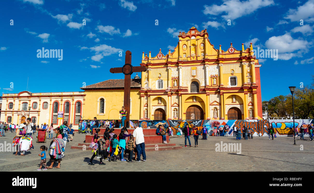 View of the main square and Cathedral, San Cristobal de las Casas, Chiapas, Mexico Stock Photo