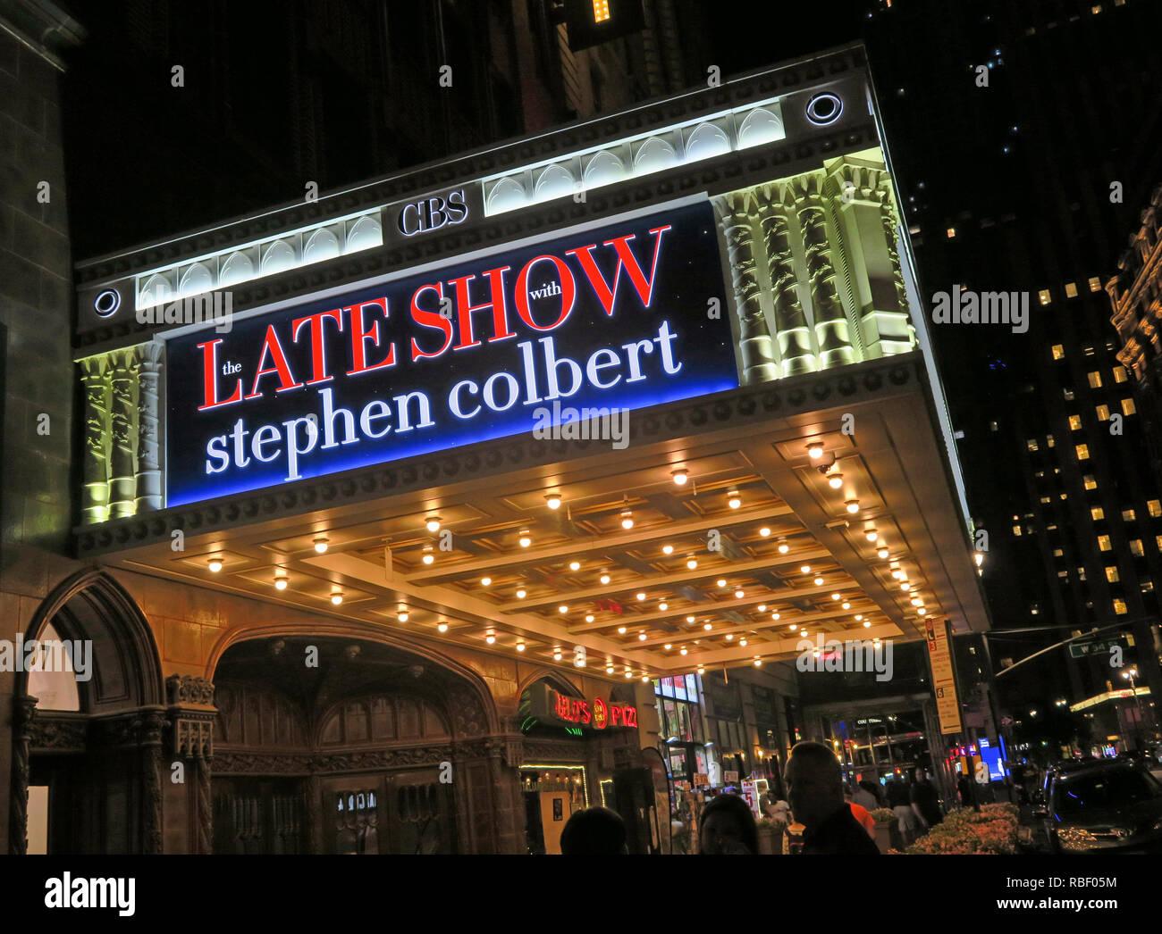 GoTonySmith,@HotpixUK,HotpixUK,Broadway NYC,theatre,NYC,New York City,Broadway,Theatre District,district,New York,New York Street,USA,America,City Centre,city,centre,New York Travel Tourism,Ed Sullivan,CBS,actor,late,night,entrance,door,American,Late Show,Stephen Colbert,1697 Broadway,NY 10019-5904,nighttime,lights,lit,TV Show,CBS Show,people,ticket