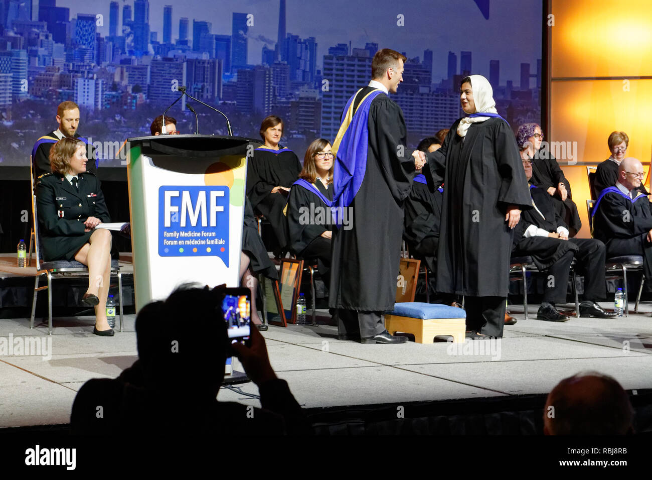 graduating-medicine-students-recieving-their-medical-doctor-certificates-at-the-canadian-familiy-medicine-forum-in-toronto-november-2018-RBJ8RB.jpg