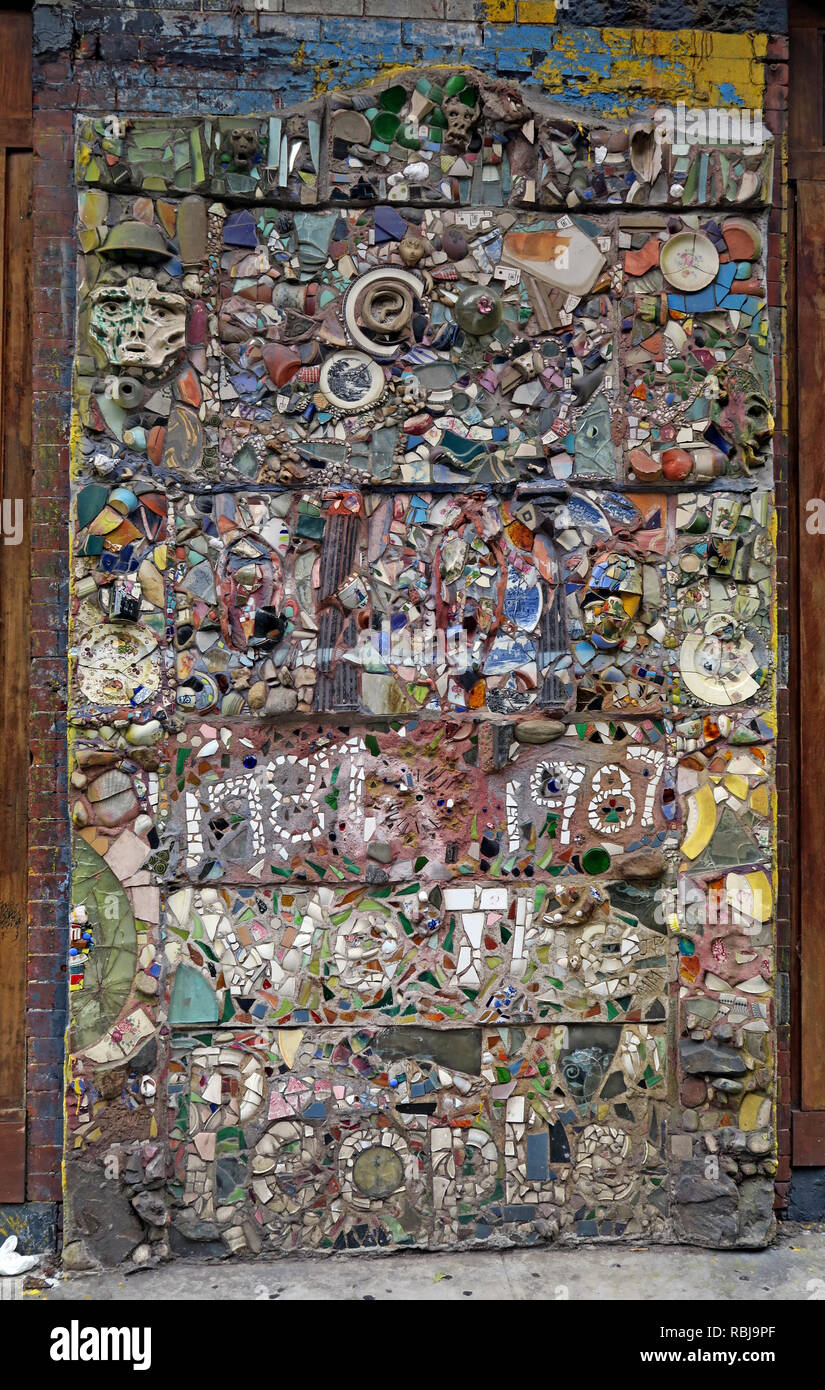 @HotpixUK,HotpixUK,GoTonySmith,NY,NYC,New York,New York City,City,Centre,City Centre,street,USA,United states of America,United States,East Village,art,Mosaic,trail,Trail,hippy,neighborhood