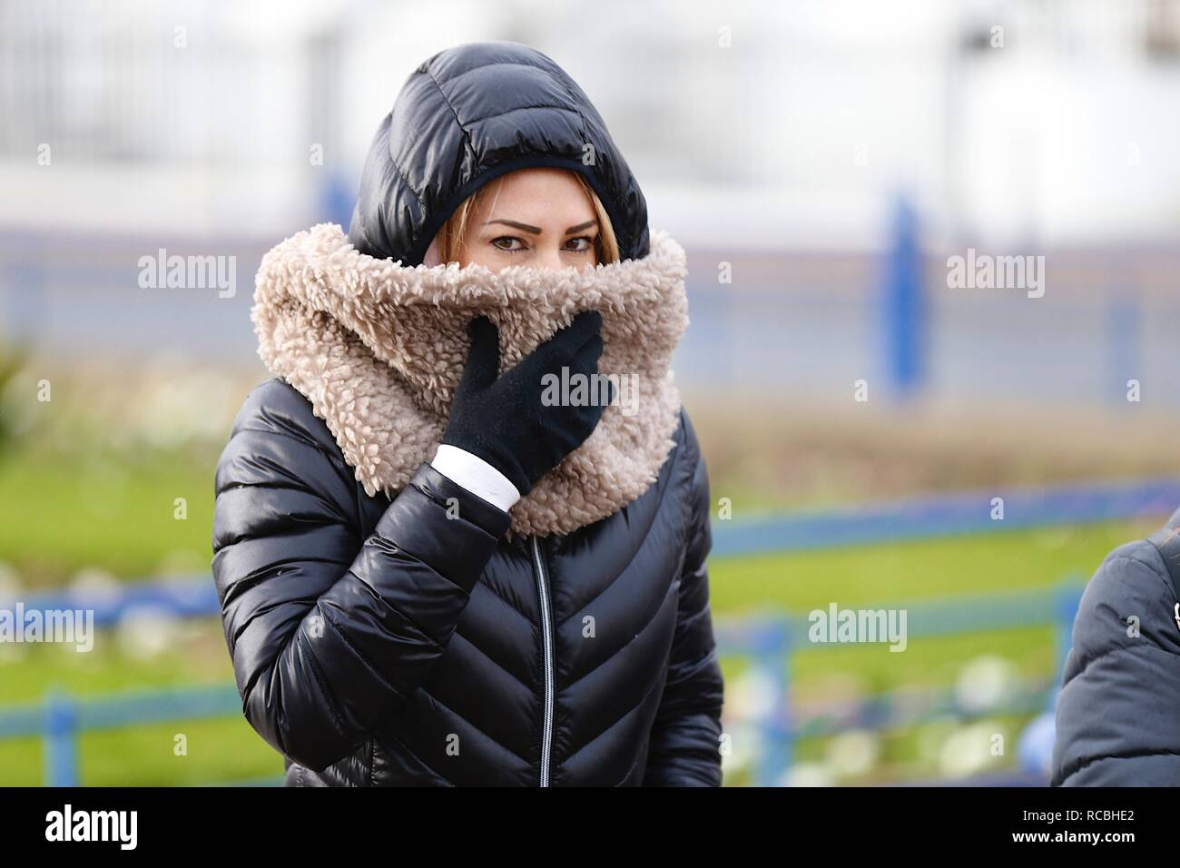 Eastbourne, East Sussex, UK. 15 Jan, 2019. UK Weather: A bright but chilly mid morning in Eastbourne on the seafront promenade with people jogging and taking a walk enjoying the dry weather.  © Paul Lawrenson 2018, Photo Credit: Paul Lawrenson / Alamy Live NewsStock Photo