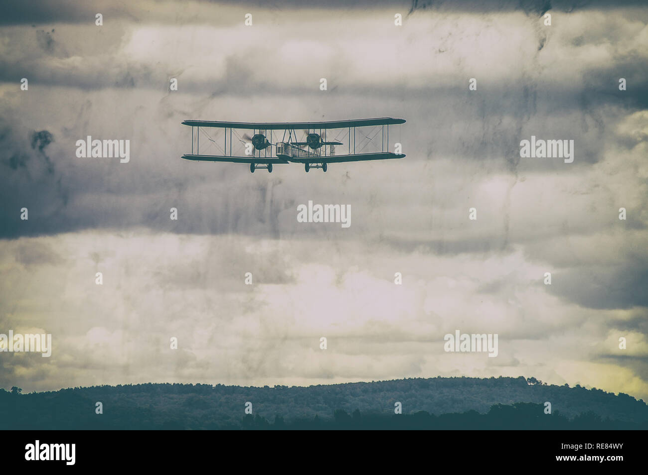 vickers-vimy-british-heavy-bomber-aircraft-plane-biplane-of-first-world-war-recreated-alcock-brown-atlantic-flight-modern-image-aged-to-appear-old-RE84WY.jpg