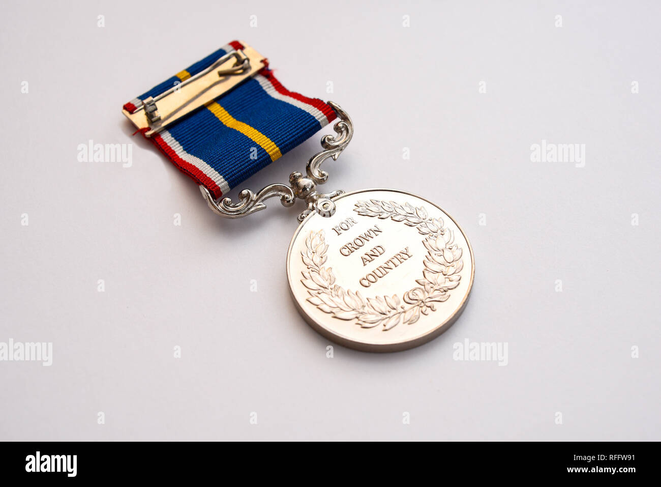 national-service-medal-unofficial-commemorative-medal-sold-by-award-productions-ltd-and-co-sponsored-by-the-royal-british-legion-conscription-1930-RFFW91.jpg