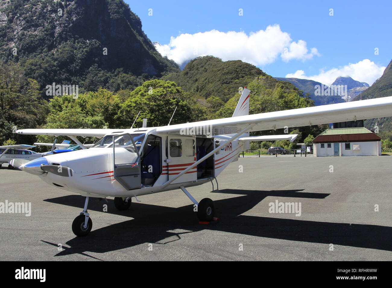 small-plane-waiting-to-take-passengers-b