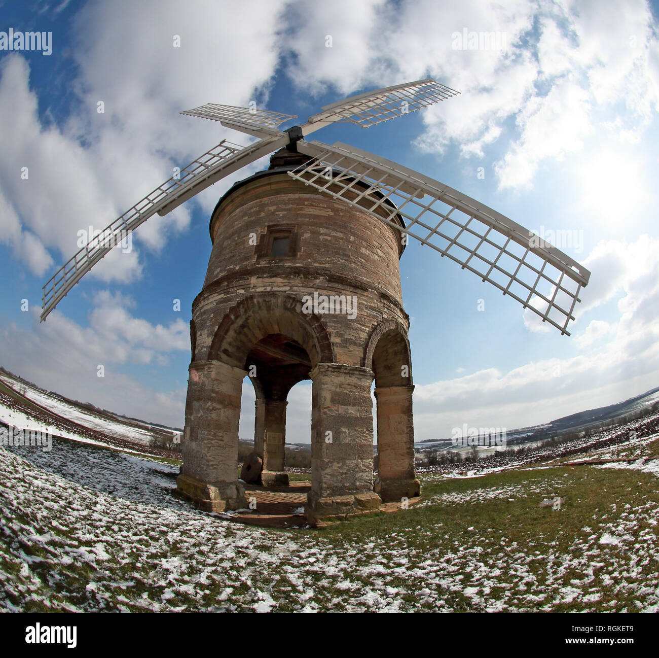 GoTonySmith,@HotpixUK,HotpixUK,Warwickshire,Warwick,famous,tourist,tourism,landmark,heritage,culture,Windmill Hill,Ln,Leamington Spa,CV33 9LB,Grade I Listed,listed building,Chesterton Windmill,Windmill Hill Ln,Leamington,Spa,CV33,9LB,icon,iconic,countryside,snowy,wide,wide angle,hilltop,hill,hill top,walks,Chesterton,village,Roman,architect,tower mill,moving parts,limestone,sandstone,arched,tower