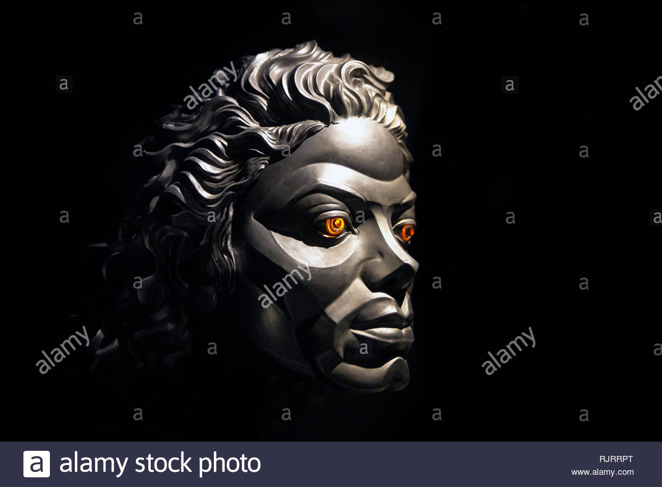 michael-jacksons-robotic-face-seen-in-mi