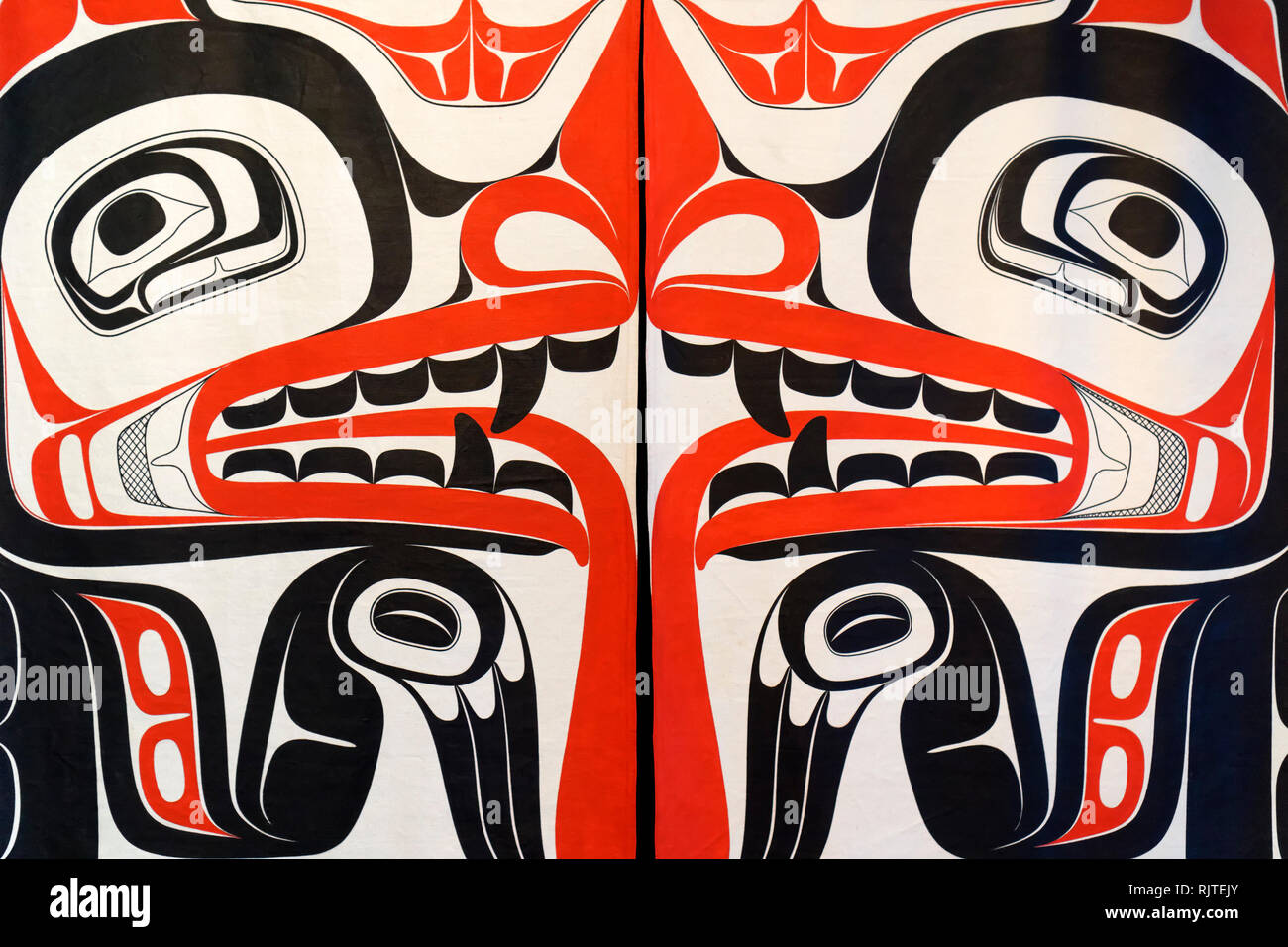 detail-of-red-and-black-haida-first-nati