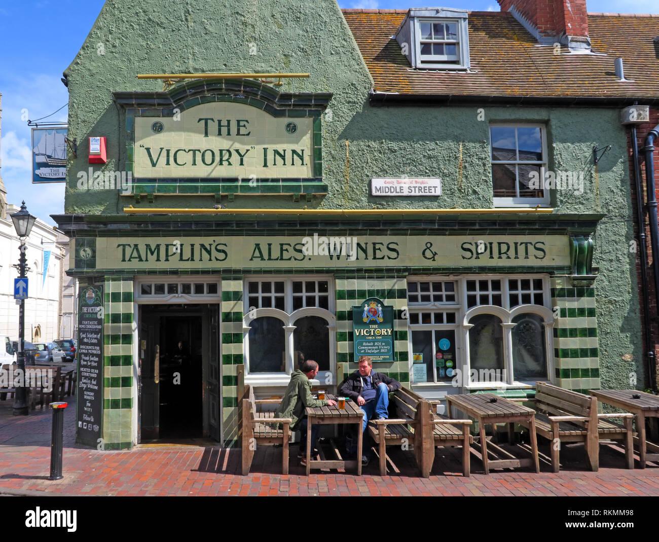 GoTonySmith,HotpixUK,@HotpixUK,South East England,England,seaside,English,UK,GB,coast,coastal,town,summer,seaside resort,resort,Brighton and Hove,council,Sussex,tourists,travel,tourism,popular seaside destination,LGBT,LGBTQ,community,lesbian,gay,Victory Inn,green,pub,bar,wines,spirits,front,frontage,door