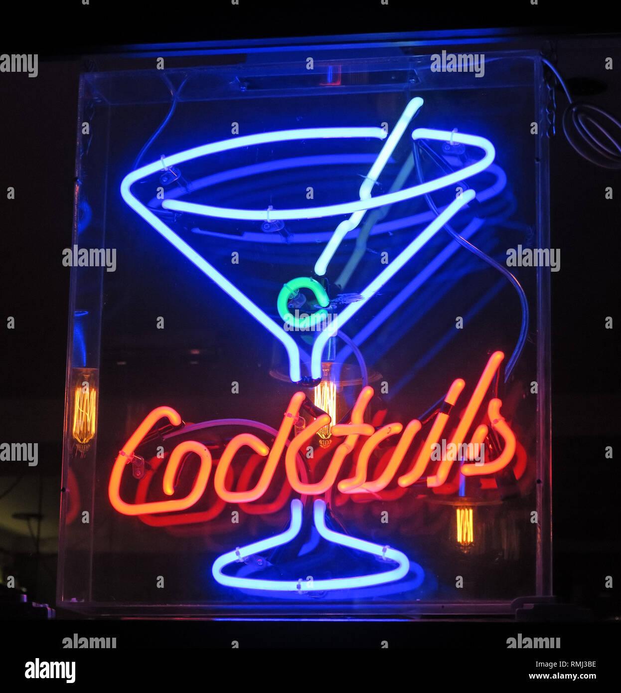 @HotpixUK,HotpixUK,GoTonySmith,England,UK,Neon,lights,night,dusk,neon lights,sign,advert,advertising,bright,lighting,London,SoHo,South East England,City Centre,City,tourist,tourism,travel,neon sign,neon signs,evening,night time,band member,music,cocktail,neon,bar,Cocktail bar,pub,drink,alcoholic drink,alcohol,spirits,popular,mocktails