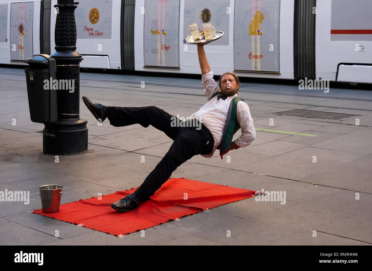street-performer-holding-a-pose-on-the-s