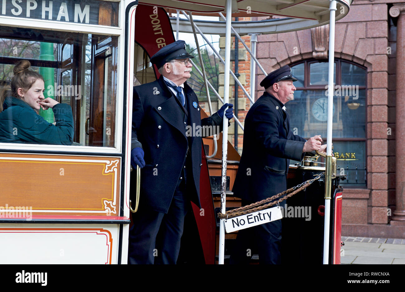tram-at-beamish-museum-co-durham-england-uk-RWCNXA.jpg