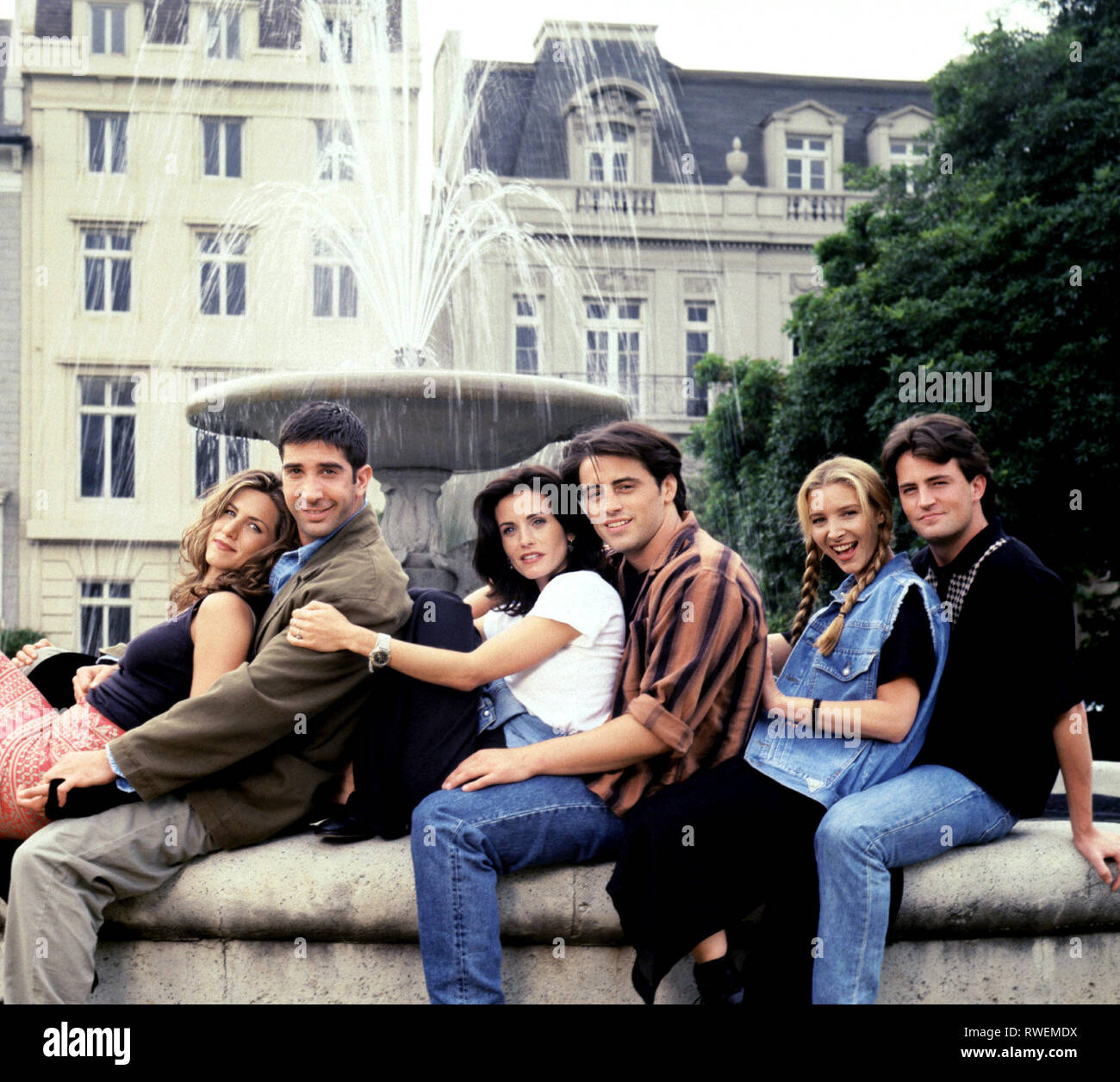 ANISTON,SCHWIMMER,COX,LEBLANC,KUDROW,PERRY, FRIENDS : SEASON 1, 1994 Stock Photo