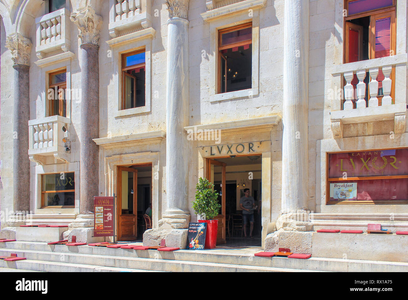 luxor-cafebar-in-the-peristil-square-at-the-heart-of-the-roman-diocletian-palace-split-croatia-RX1A75.jpg