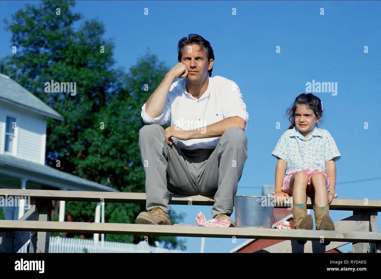 KEVIN COSTNER, GABBY HOFFMAN, FIELD OF DREAMS, 1989 Stock Photo
