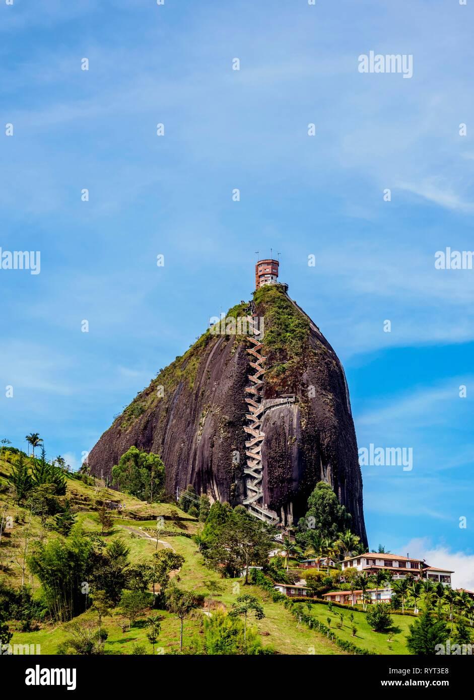 el-penon-de-guatape-rock-of-guatape-antioquia-department-colombia-RYT3E8.jpg
