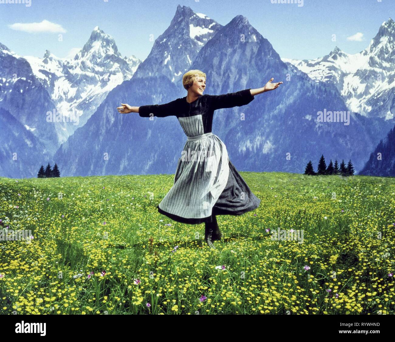 JULIE ANDREWS, THE SOUND OF MUSIC, 1965 Stock Photo