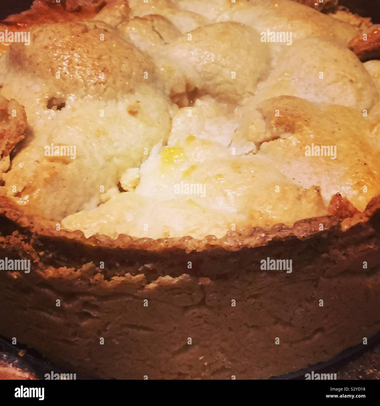 close-up-of-the-crust-on-an-apple-pie-S2