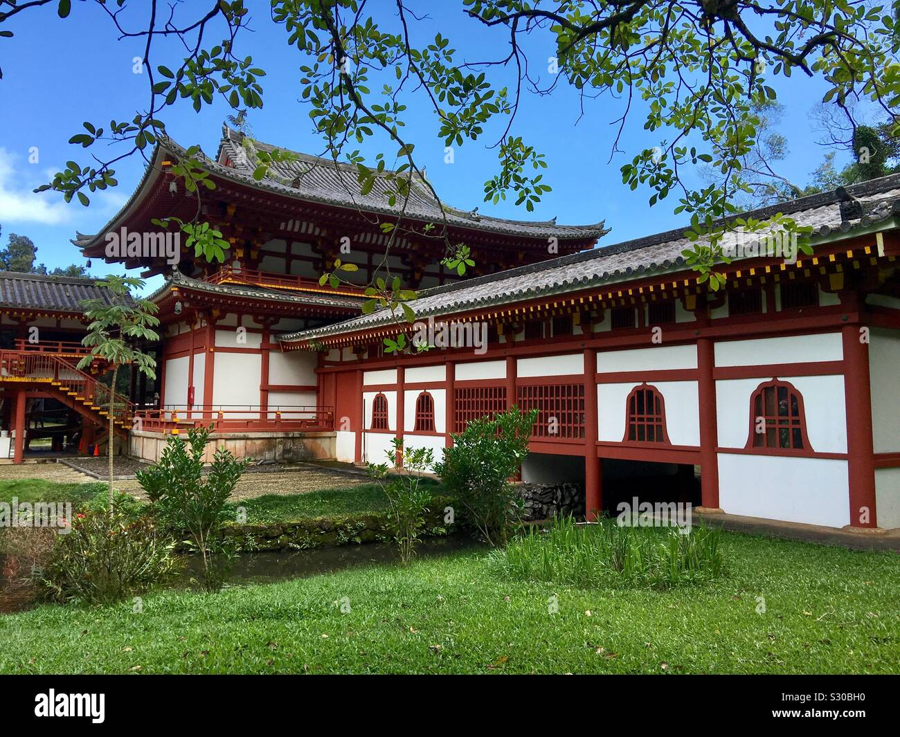 the-byodo-in-temple-valley-of-the-temple