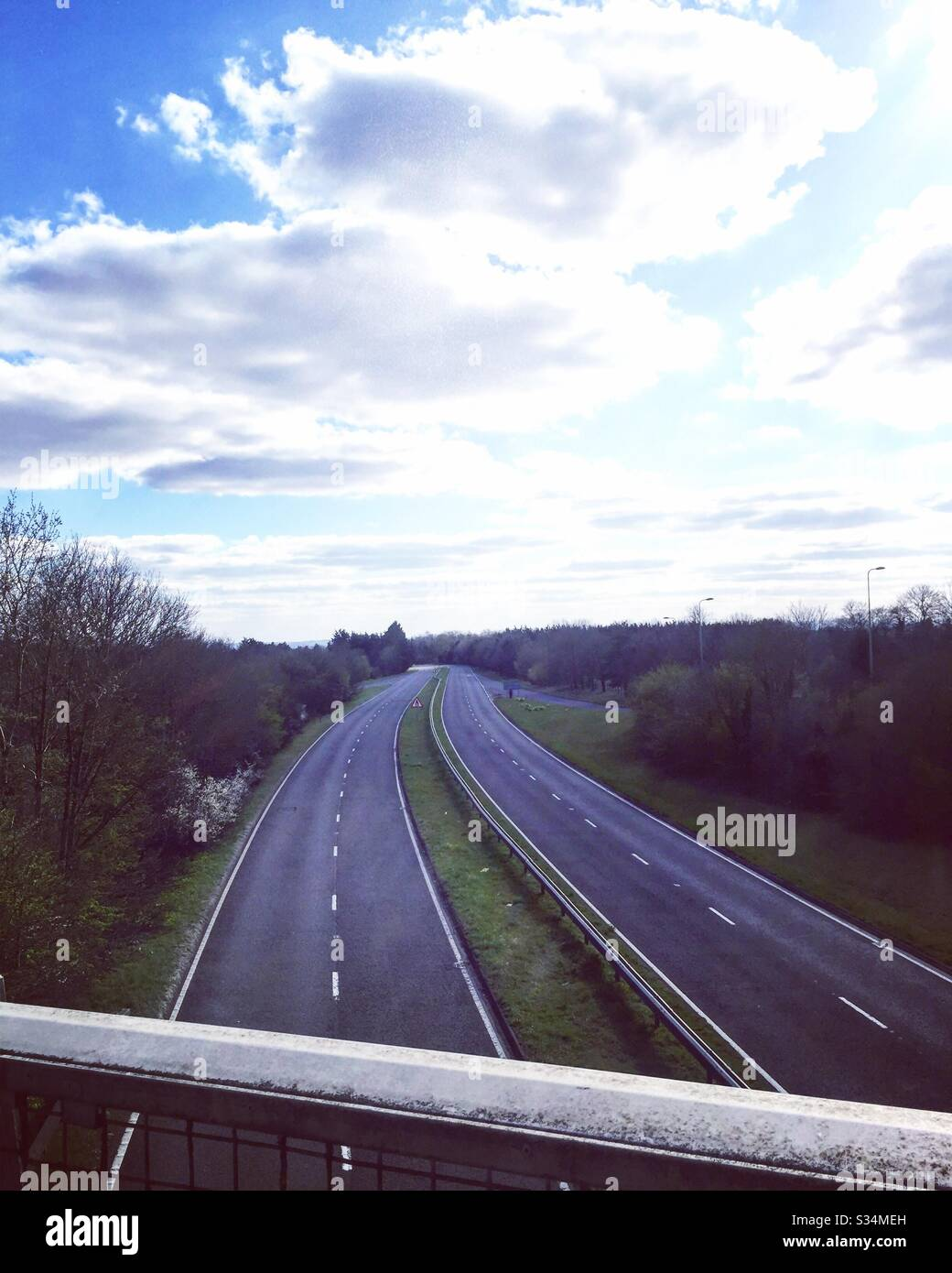 no-traffic-on-a420-during-lockdown-S34ME