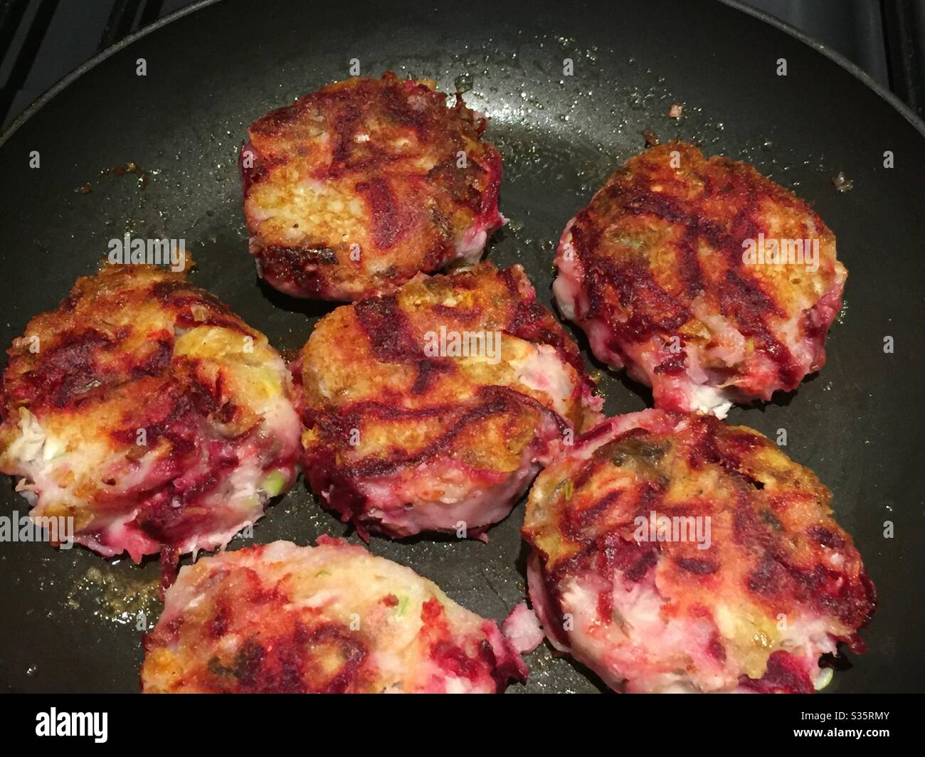 smoked-mackerel-fish-cakes-with-beetroot